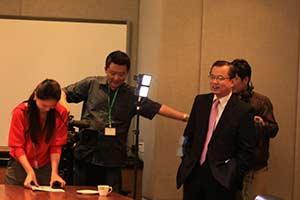 中信银行国际首席经济学家廖群博士