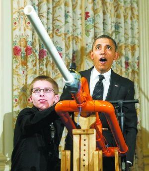 """奥巴马让""""炮弹飞""""(图)运动会作文初中800图片"""