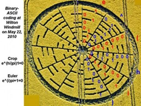 英国再现麦田怪圈 图案中隐含神秘数学公式