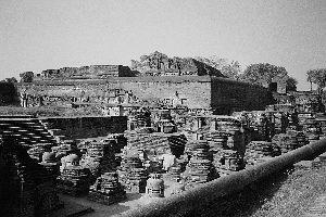 """印度在废墟中重建玄奘寻找""""真经""""圣地(图)"""