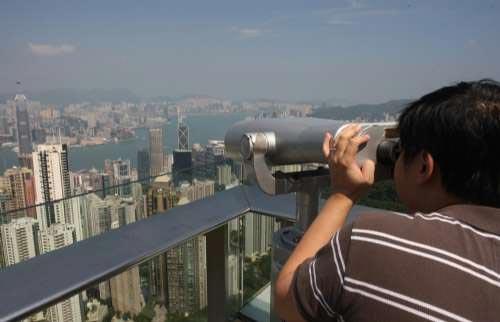 香港观光热点成偷窥胜地 豪宅室内情况清晰可见