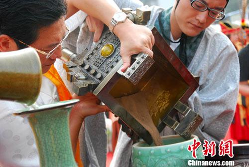 广西柳州文庙举行重建后首次祭孔大典(组图)