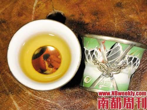 """广州""""茶三代""""(组图)"""