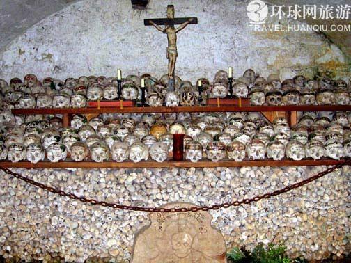 奥地利宠儿哈尔施塔特:骸骨教堂有奇特风景(组图)