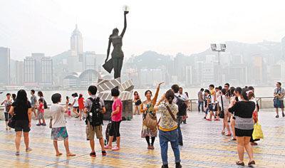 """香港仍为内地客首选 赴台游挑战""""一哥""""地位"""