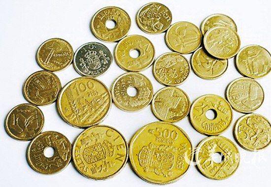 """西班牙小镇让旧币""""复活""""(图)"""
