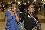 失事飞机乘客家属赶到机场