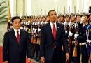 胡锦涛陪奥巴马检阅仪仗队