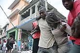 海地首都太子港变为一片废墟