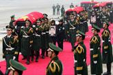 牺牲维和人员遗体运抵北京