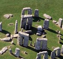 10月1日:巨石阵现3500年前男童尸骸