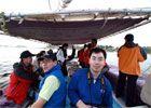 队员乘船赴尼罗河干流取水