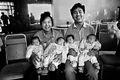 银奖:中国四胞胎17年的全家照