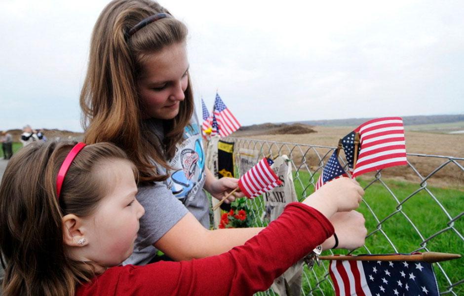美国民众纪念911遇难者