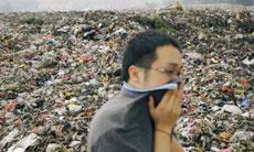 广州:垃圾场散发恶臭遭投诉