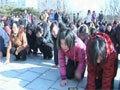 朝鲜民众集体下跪痛哭