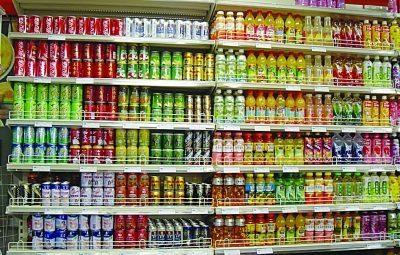 超市饮料琳琅满目 市民却难以选择图片