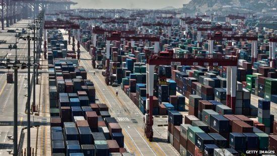 图片说明:研究表明,美国计算从中国进口货物的成本并不包含原材料生产过程中的消耗。 图片来源:英国广播公司