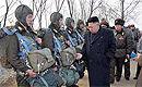 朝鲜罕见空降演习引韩国高度紧张