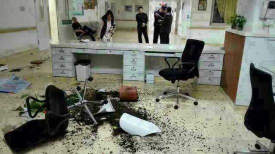 大年初三,醉酒的家属再次打砸深圳市人民医院,这次是手外科。