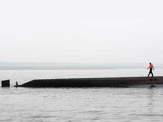 疑似长江沉船遇难者遗体漂至南京