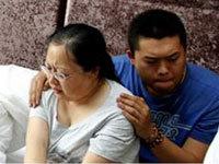 河北牺牲警官之子曾安慰母亲:爸爸没了还有我