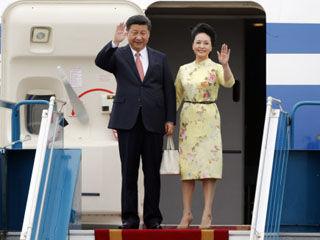 习近平会见越国会主席 拜谒胡志明陵并敬献花圈