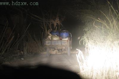 乌龙江边有个地沟油生产基地