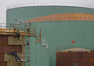 首批油储基地建设临近尾声