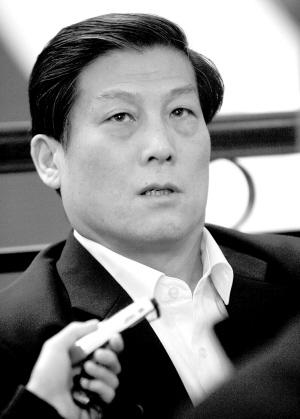 云南省原省长李嘉廷,国土资源部原部长田凤山等一批贪污,受贿案.