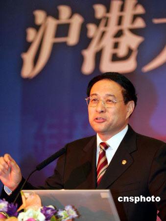 冯国勤当选上海市政协主席(图)