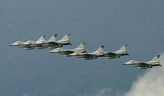 台媒体称奥巴马反对出售F-16战机给台湾