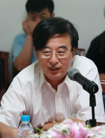 新华社副总编辑俱孟军:新闻发言人制度还需完善