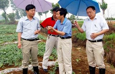 湖北宜城29岁市长致电母校希望低调(图)