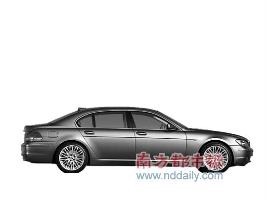 本报讯 相继引入了新一代宝马740Li和750Li之后,近日宝马新一代7系的两款入门级车型730L i领先型和豪华型在国内上市,珠海华发名车城已抢先引进,宝马爱好者可以前往华发名车城先睹为快。   虽然新一代宝马7系已于去年正式进入中国市场,但先期上市的车型只有740li和750li两个型号,价位高达116.