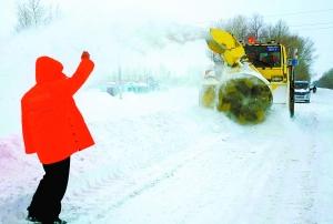 图文:新疆阿勒泰再降暴雪预计持续至9日