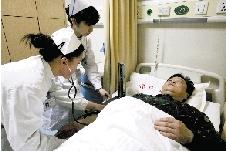 救护车深夜出诊未见到病人司机遭3蒙面者殴打