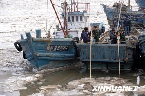 各地抗击海冰纪实:确保电煤运输保障交通通畅