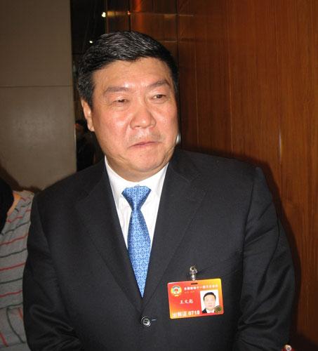 政协委员王文彪:对荒漠化土地治理实现零出让