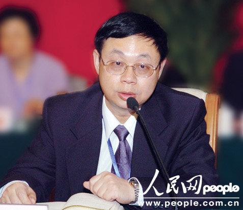 王晓龙委员:建立事业单位绩效工资经费保障机制