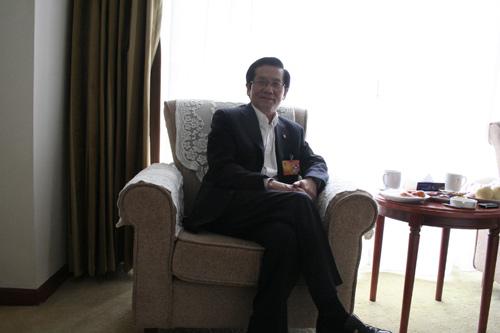 人大财经委副主任:房地产不健康经济会出大问题