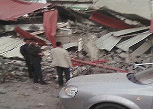 玉树地震部分学校小学生被埋人数不详