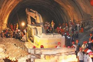 广西宾阳隧道塌陷趋于稳定被困人员有望生还