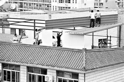 两层半楼顶设计效果图