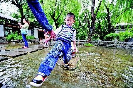 济南趵突泉水位创新高公园门票取消呼声日高