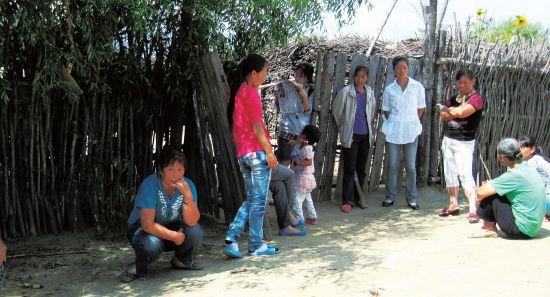 农闲时节,村民们喜欢围在一起聊天,话题更多的是村子的未来。