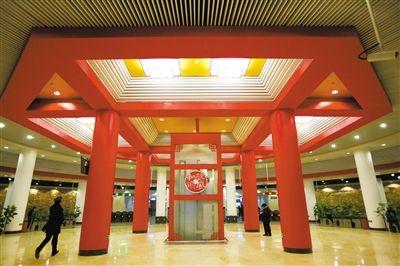 昨日,15号线地铁顺义站圆形大厅。当天,地铁15号线后沙峪到俸伯站开通。