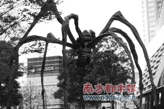 东京六本木的雕塑.