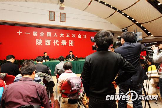中国网络电视台、西部网、新浪网等多家媒体联合采访