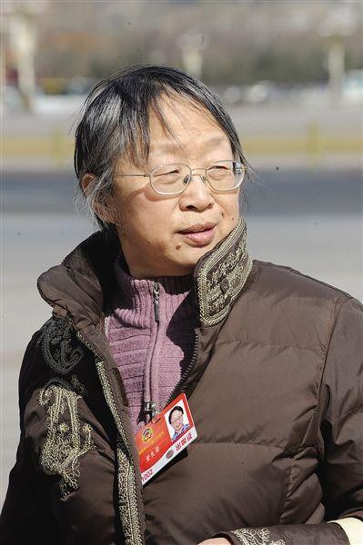 董良� 全国政协委员,中共建党创始人之一董必武的女儿。